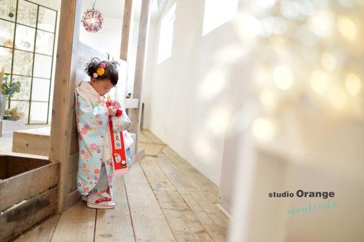 七五三 3歳 豊中市 自然光 自然な写真 水色の着物