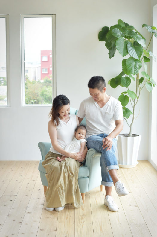 お宮参り 宝塚 売布 自然な雰囲気 家族写真