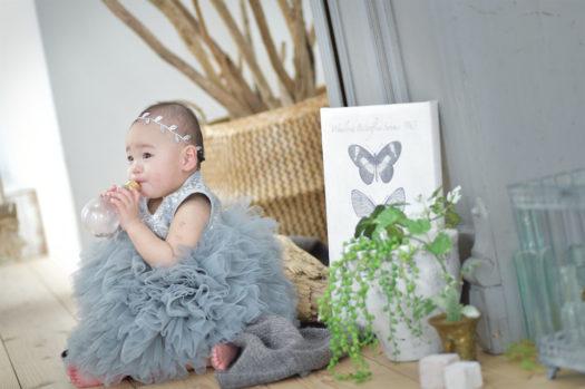 宝塚市 バースデーフォト 1歳 グレーのドレス
