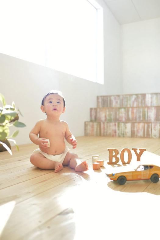 宝塚市 バースデーフォト 1歳 男の子 はだかんぼ