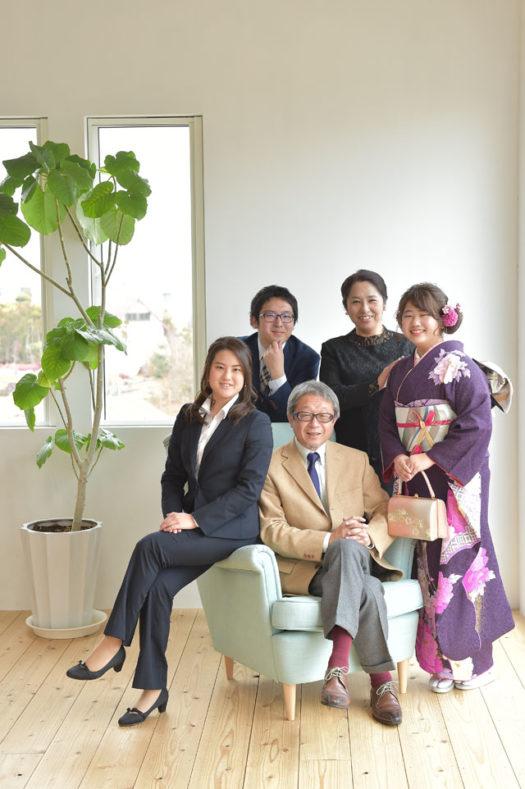 宝塚市 成人式 家族写真 紫の振袖