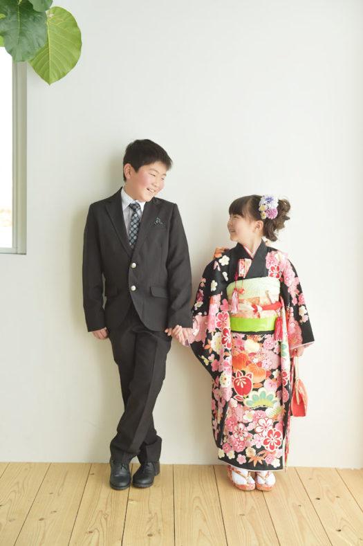 宝塚市 七五三 7歳 黒の着物 兄弟写真