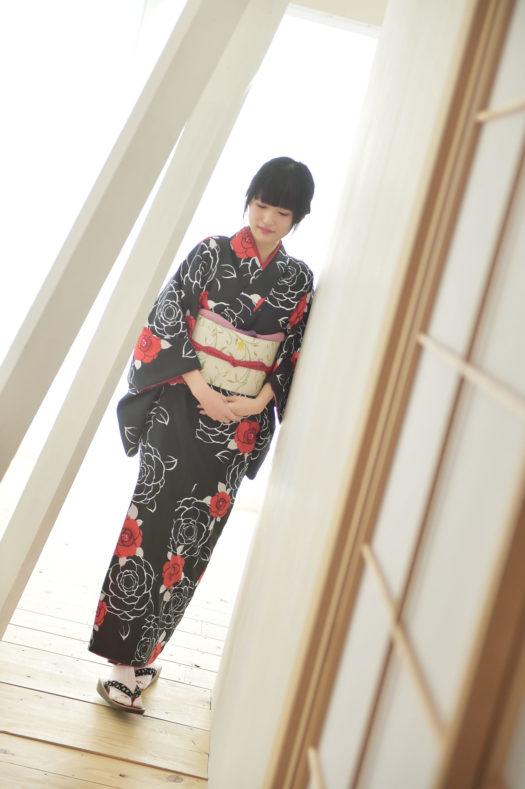 宝塚市 成人式 黒の着物