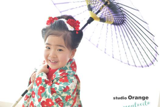 宝塚市 七五三 3歳女の子 椿柄 被布コート 紫の和傘