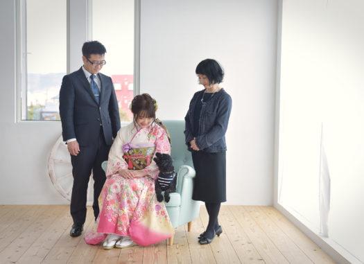 宝塚市 家族写真 成人式前撮り ピンクの振袖