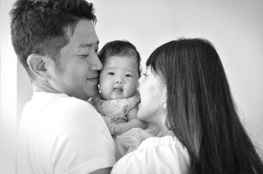 家族写真 モノクロ オシャレな雰囲気