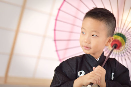 七五三 5歳男 黒の着物 傘