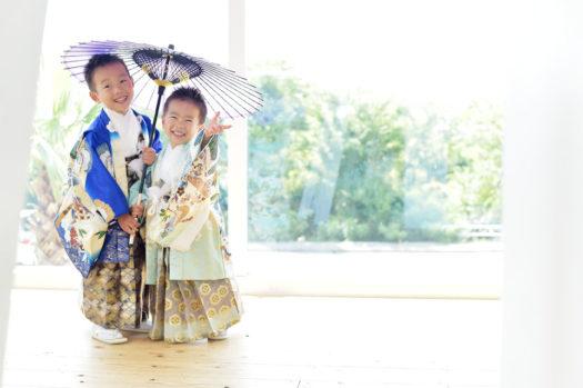 宝塚市 七五三 5歳 男の子 青い着物 兄弟写真
