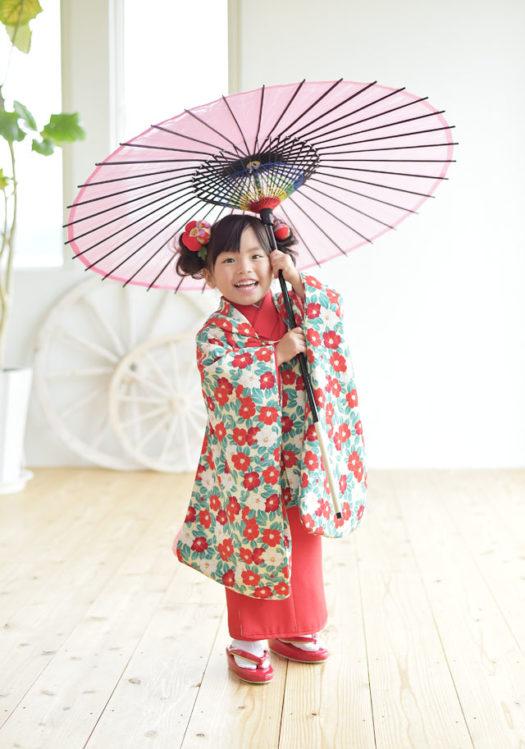 宝塚市 七五三 椿柄の着物