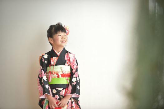 宝塚市 7歳 七五三 スタジオ衣装 黒の着物