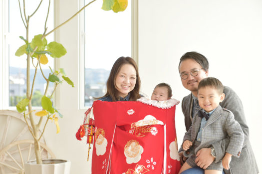 宝塚市 お宮参り 自然な家族写真