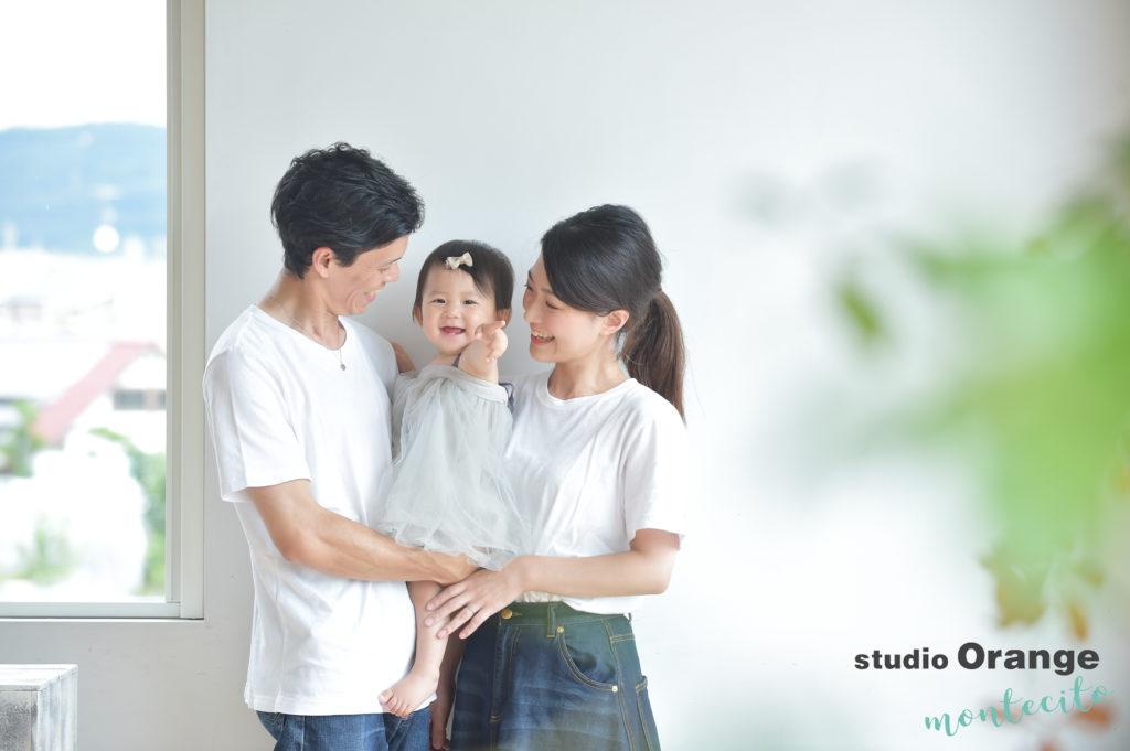 宝塚市 お誕生日撮影 家族写真 ドレス 白Tシャツ