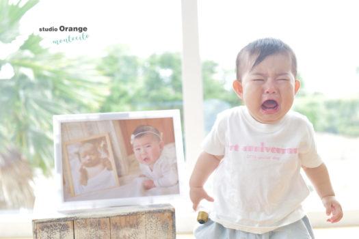 1歳女の子 泣き顔 フレーム お誕生日 白いTシャツ
