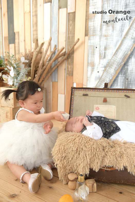 福岡市 お宮参り 生後一ヶ月 男の子 洋装 姉弟撮影